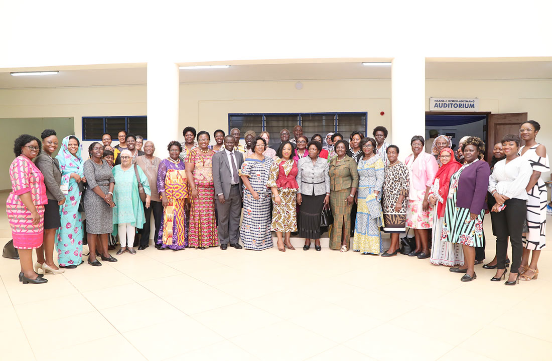 Some members of FAWoVC with the Minister for Foreign Affairs and Regional Integration